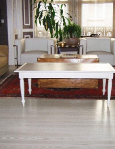 suelo-de-pinotea-tintado-en-blanco-barnizado-al-agua